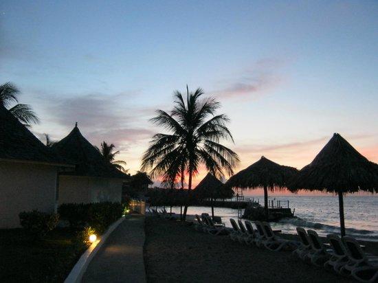 Royal Decameron Club Caribbean: beautiful suset