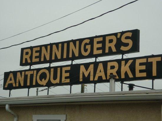 Rennigers Antique and Collectors Market : Renniger's Antique Market