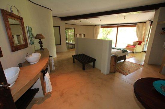 Jacana Lodge : 4 beautiful rooms en-suite in main lodge