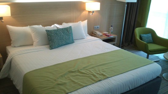 Courtyard Marriott Montpellier: Bed, room 104