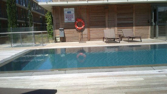 Courtyard Marriott Montpellier: Small swimming pool