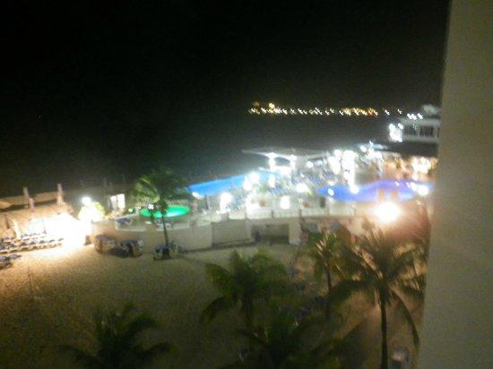 Sonesta Great Bay Beach Resort, Casino & Spa: playa
