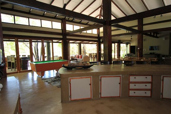 Jacana Lodge : Open plan kitchen, dining room and lounge