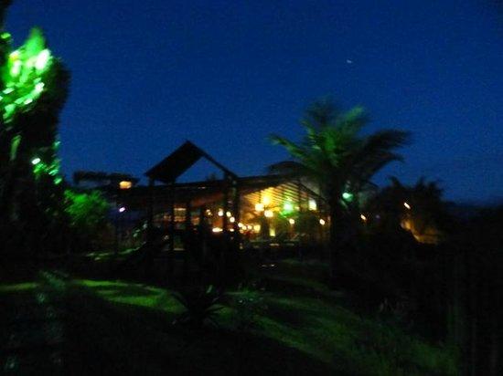 Pousada Villa Camboa : 20:45 da praia para bar da piscina