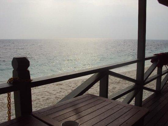Rawa Island Resort: Blick von der Terrasse am Morgen