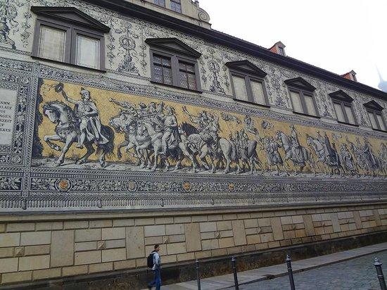 Fürstenzug: Procession of Princes mural