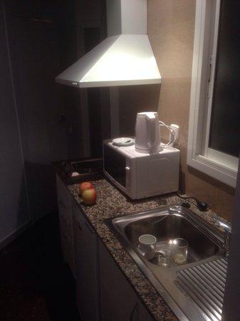 Atenea Calabria Apartaments: Kitchen