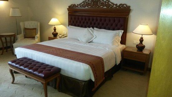 The Royale Chulan Kuala Lumpur : letto king size