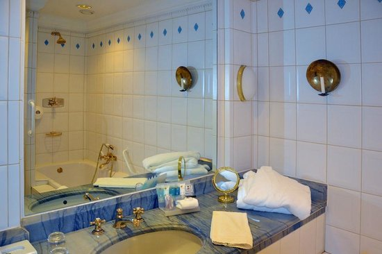 Master Johan Hotel, BW Premier Collection: The beautiful bathroom