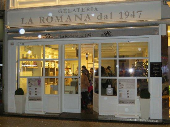 Gelateria La Romana Bergamo : da fuori