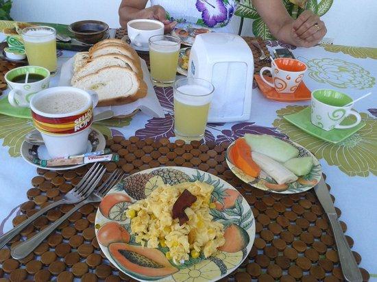 Hosteria Mar y Sol: Desayuno