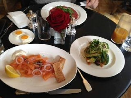 Café Royal Hôtel : cafe royal breakfast
