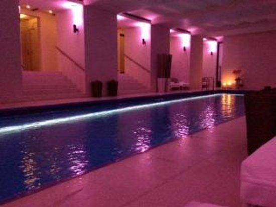 Café Royal Hôtel : spa, pool area