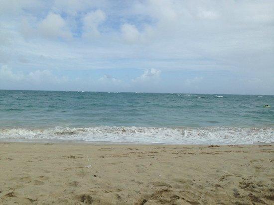 Hotel Beach House Playa Dorada : plage