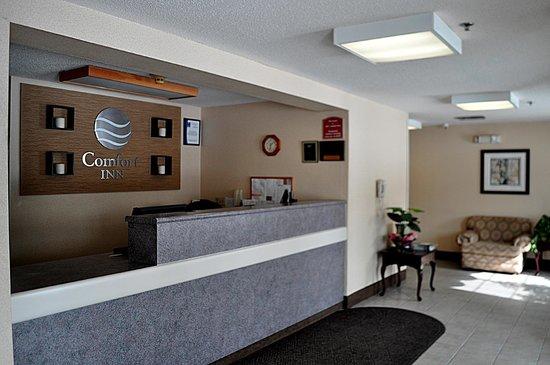 The Inn At Lenox View: Lobby reception