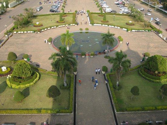 Patou Xai (Patu Say): View of the main entrance