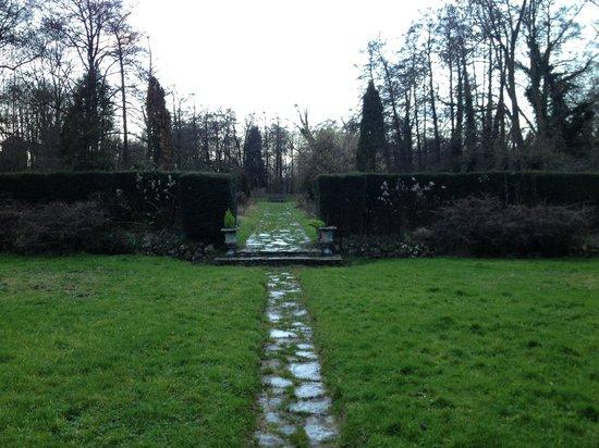 Le Moulin Fleuri du Petit Appeville : Jardin
