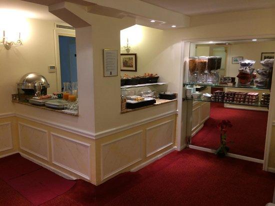 Timhotel Tour Montparnasse: breakfast is not bad