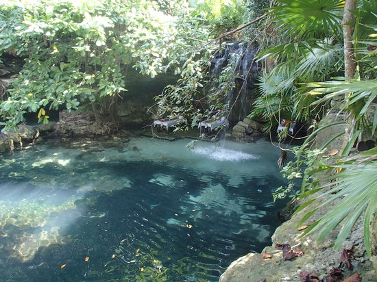 Xcaret Eco Theme Park: massage beside the waterfall *sigh