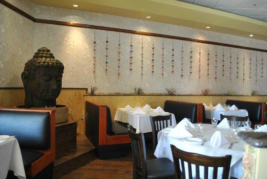 Aasna Melange of India: Dinning Room
