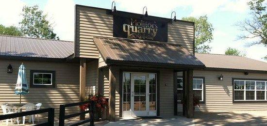 Molitor's Quarry Grill & Bar
