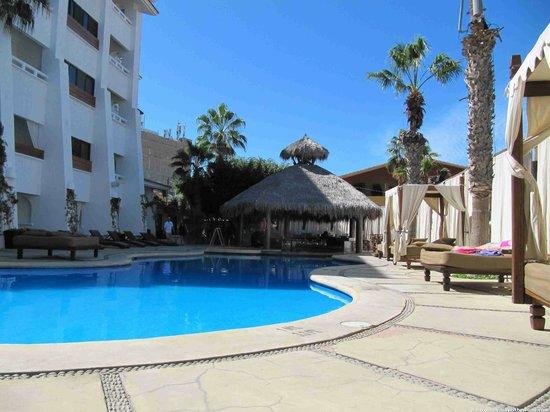 Bahia Hotel & Beach House: Pool Area
