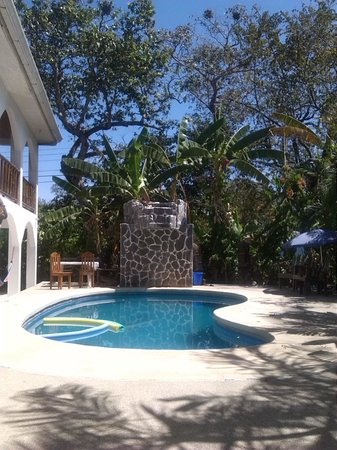 Nosara Playa Garza Hotel: pool when your hot.