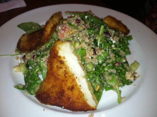 City Cellar Wine Bar & Grill: Quinoa Salad with Chicken