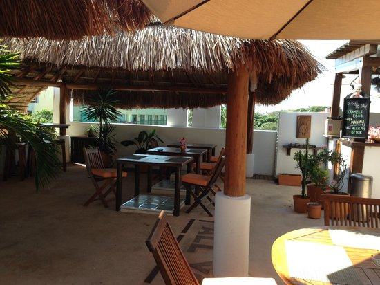 Hotel Casa Ticul: Rooftop breakfast area