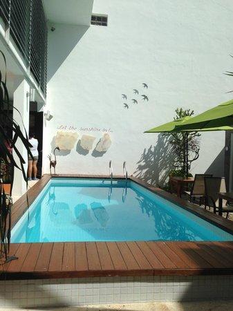 Hotel Casa Ticul: Pool/courtyard