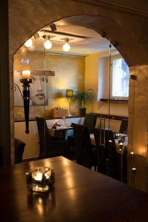 Somm Restaurant & Winebar: Matsal