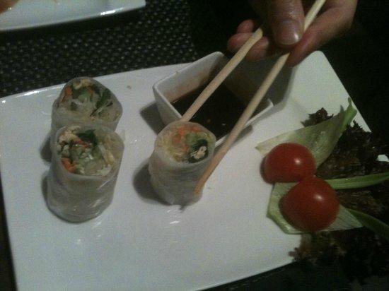 LAO THAI : spring rolls