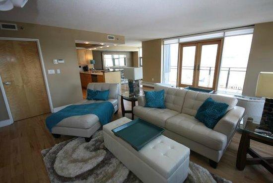 Premiere Suites - Bishop's Landing: Professionally decorated suites