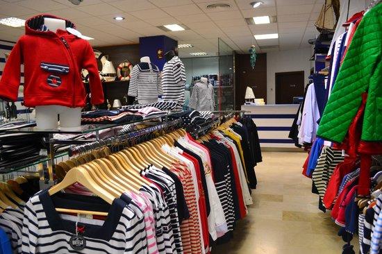 La Botavara Nautical Boutique: Gran variedad de moda marinera, para todos los gustos