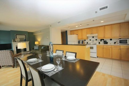Premiere Suites - Bishop's Landing: Dining room and fully-equipped kitchen