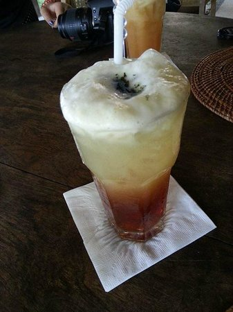 Nam at Bon Ton: Pineapple mint tea
