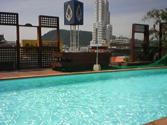 Days Inn Patong Beach Phuket : Pool