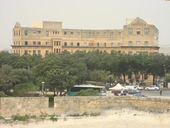 Hotel Phoenicia: The Hotel