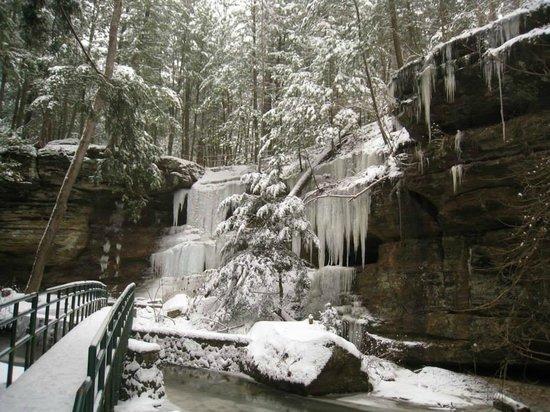 Getaway Cabins: Old Man's Cave