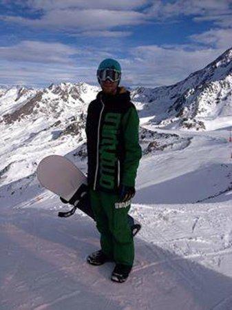 Langley Hotel Tango : Hitting the slopes, amazing boarding
