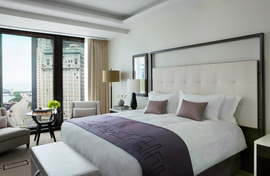 The Langham, Chicago: Grand Room w/Signature Blissful King Bed