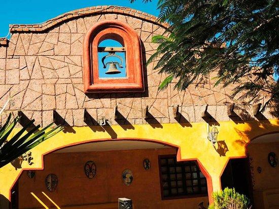 Hacienda Los Algodones: Mexican Decor