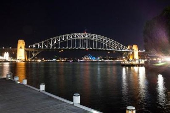 Harbourside Apartments : Across the Bay