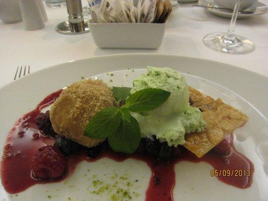 Hotel Therme Meran: Десерт на ужине