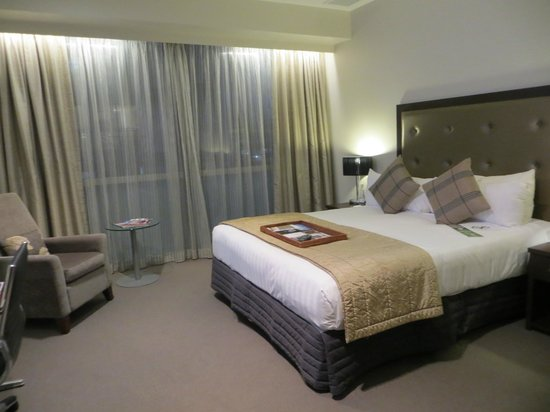 Rydges Auckland: Room