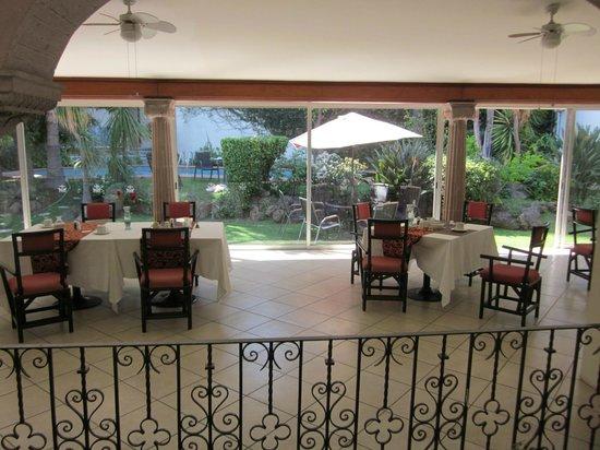 Pequeno Hotel Ejecutivo: Muy agradable y delicioso desayuno.