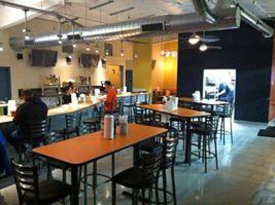 Krazy Karls Pizza: New seating area with bar