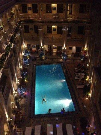 Grand Hotel Saigon : .