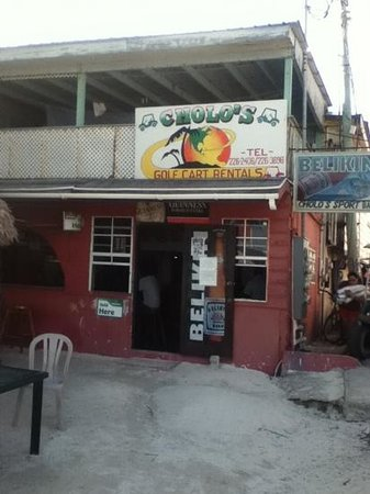 Conch Shell Inn: Front view of Cholo's Sports Bar next to the Conch Shell.