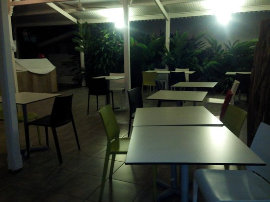 Bwa Chik Hotel & Golf: salle du petit déjeuner